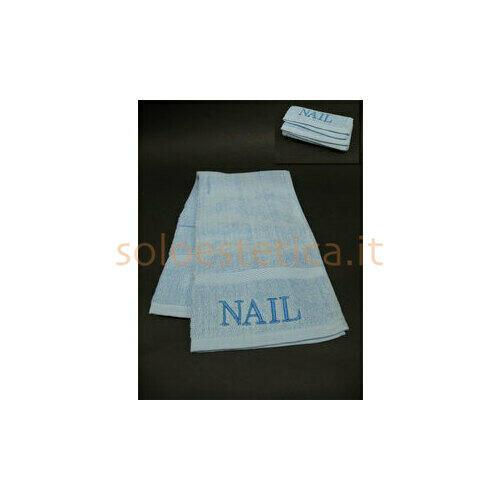 Asciugamano in spugna con ricamo Nail celeste