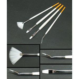 Kit 4 pennelli per la ricostruzione unghie